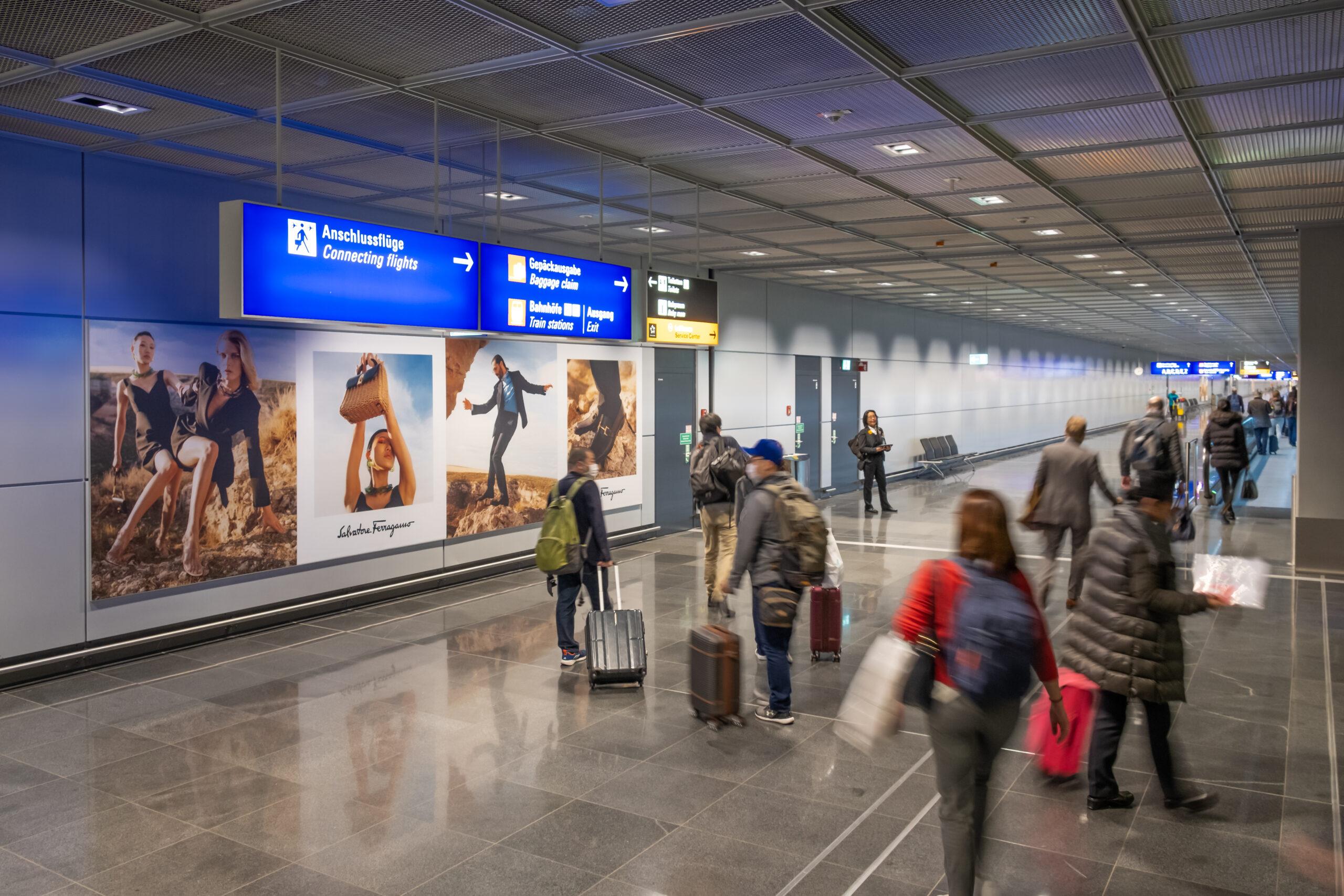 banner pubblicitario in aeroporto a Londra